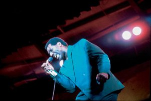 otis-redding-w-microphone